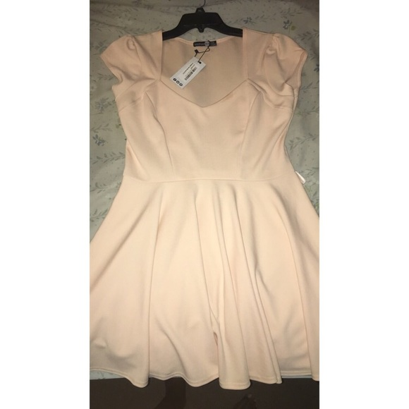 Lara Sweetheart V Neck Skater Dress In Blush  35a3168a8